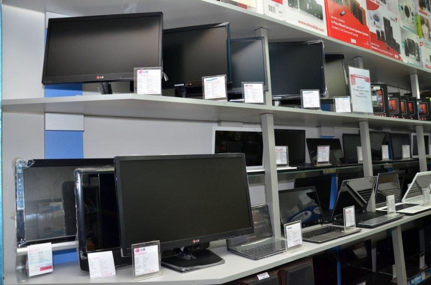 Prodaja računara i fiskalnih kasa